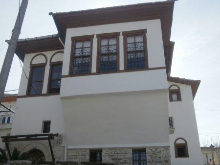 hotel gjirokastra gjirokastra front view