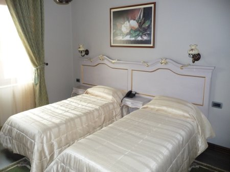 hotel victoria tirana twin room