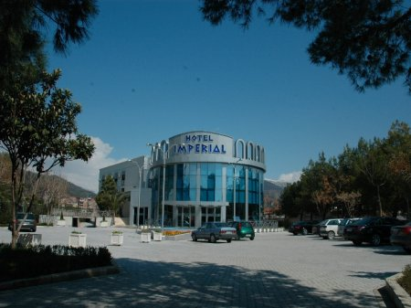 hotel imperial elbasan front view
