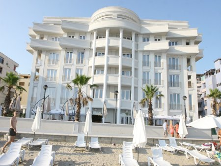 hotel palace durres front view