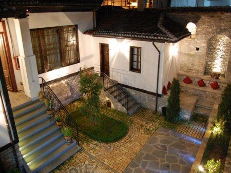 hotel mangalemi berat garden