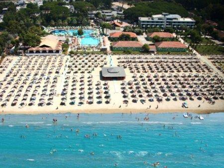 hotel tropikal durres front view
