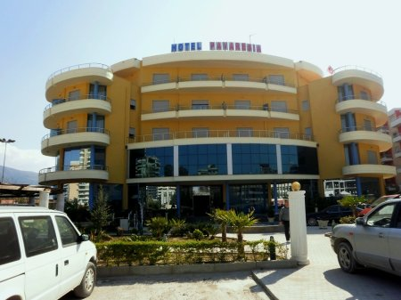 hotel pavarsia vlora front view